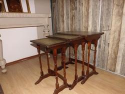 Három rakodó asztal