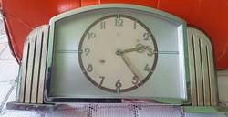 Junghans óra nyilkeresztes jelőléssel 6-os nál FOREIGEN jelzés az óra javításra szorul,mérete12X22cm
