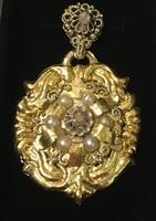 Bidermeier arany medál gyémánttal, gyönggyel