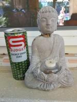 2 Buddha, egyik beton, nyaka sérült, másik műanyag