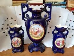 Csehszlovák lüszteres királykék mázas füles váza trió barokkos váza család