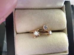 Új gyönyörű arany gyűrű