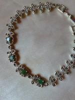 79.71 ct Smaragd és markazit ezüst karkötő