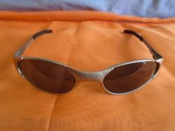 Kifogástalan állapotban lévő ADIDAS ffi napszemüveg eredeti ára közel 50 e ft  volt