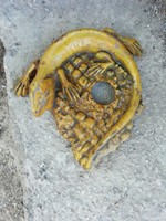 Antik címer hintón volt gyík