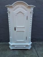 Barokk ruhásszekrény