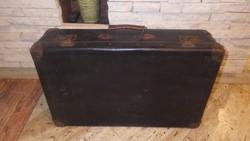 Régi koffer bőrönd