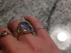 Női pecsétgyűrű