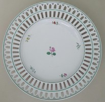Lippert & haas in schlaggenwad 838/28 porcelain decorative plate with pierced edge: 24.5cm diameter