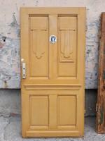 Antik bejárati ajtó