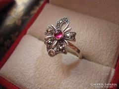 Mesés antik ezüst rubin szalagcsokros markazitos gyűrű