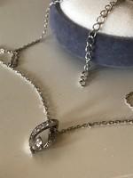 Gyönyörű ezüst nyaklánc ezüst medállal