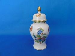 Herendi Viktória urna váza