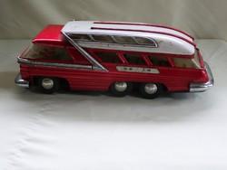 Régi lemezáru kis busz