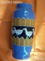 Váza vonuló libasorral