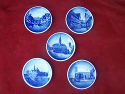 Jelzett ROYAL KOPENHAGEN porcelánfajansz dísztányérok 5 darab egyben