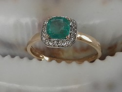 Tanúsítvánnyal Aranygyűrű, Természetes Smaragd ca 0,90 ct -Zafír 22 db cca. 0,12 ct.