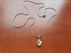 Swarovski kristályos medál ezüst színű láncon