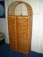 Fa-vessző polcos szekrény