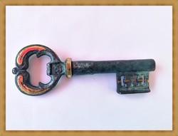 Kulcs formájú sárgaréz dugóhúzó