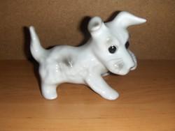 Porcelán kutya kutyus 14 cm hosszú, 11 cm magas (fp)