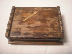 Antik hadifogoly munka szivar-cigaretta kínáló ritkaság 4 lábon álló