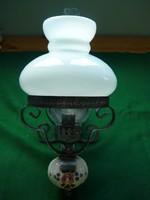 Petróleum lámpa jellegű elektromos fali lámpa
