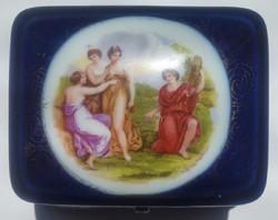 Angelika Kaufman ékszertarto porcelán doboz mérete :8cmX7cm, magassága5cm