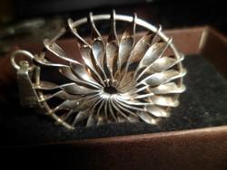 Toni Riik designer ezüst medál