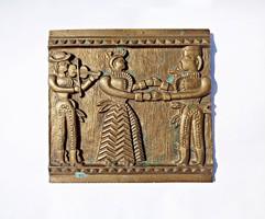 Népi táncoló jelenet, bronz falikép