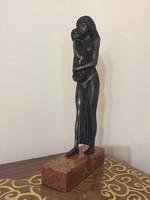 Rácz Edit bronz szobra!