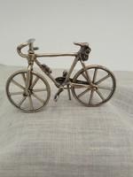 Csodás ezüst bicikli mozgó résszel