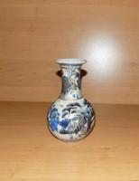Kínai porcelán jelenetes váza 15 cm magas (14/d)