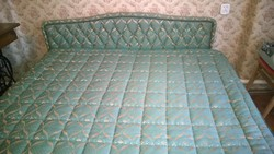 Igényes epedás franciaágy fejtámlával,ágytakaróval-alig használt-Akciós ár !