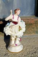 1880-as évek végén készült ,csipkeszoknyás, kézifestésű, Sitzendorfi porcelán balerina hölgy eladó.