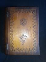 Fa doboz Antik régi bizsukkal