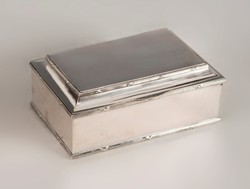 Ezüst fabetétes doboz