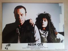Neon City c. film mozi vitrin fotói 5 db