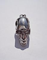 Ezüst koponya medál
