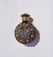 Szíves, virágos kék üveges, réz rátétes, köves parfümös üveg