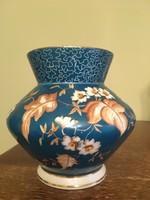 Zsolnay váza 1963-74-ből, kézzel festett, sérülésmentes, eredeti, jelzett.