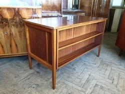 Retro régi íróasztal felnyíló ajtóval mid century asztal