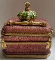 Mária - koronás és jogarral díszített vallási szelence mérete:10cmX8cmX11cm  kereszt ragasztva van!