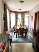Ètkezőgarnitúra kihúzhatós asztallal és 8sima+2 karfás székkel