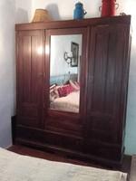 Antik XX.sz.eleji  három ajtós ,tükrös,fiókos gardrob szekrény