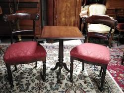 Mahagóni asztal 2 db ajándék biedermeier székkel