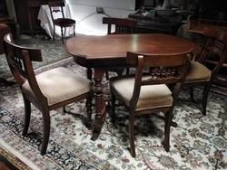 Antik asztal 4 székkel