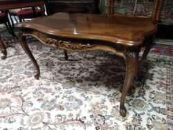 Barokk dohányzó asztal