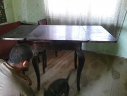 Antik keményfa asztal