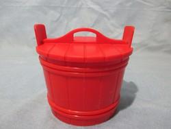 Retro piros műanyag sótartó dézsa, fűszertató